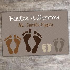 """Fußmatte """"Fußabdrücke"""" mit 4 Familienmitgliedern (optional mit Pfoten)"""