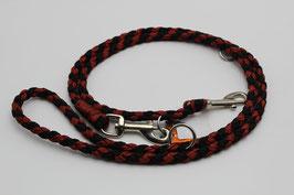 Leine aus Paracord in rot und schwarz