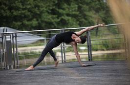 1 live Yoga Class