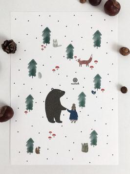 Im Wald mit Bär, Mädchen und Waldtieren.
