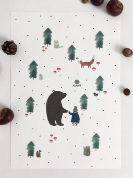 Im Wald mit Bär, Mädchen und Tieren.