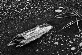 Schönheit im schwarzen Sand | Klassisches Barytpapier für Ihr schwarz-weiß Foto in Museumsqualität