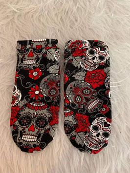 Sneakers Socken Love Skulls Red