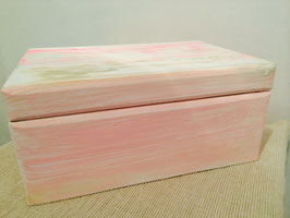 Margit Anglmaier: Box Shabby Chic Pink Weiß