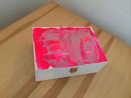 Margit Anglmaier: Box Pink Fusion klein