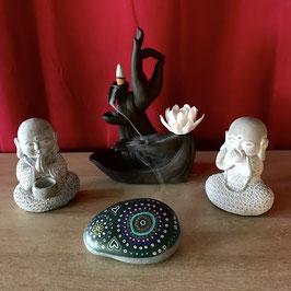 Galet peint 3ème chakra