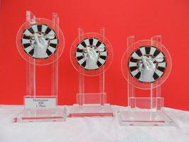 Glasständer Dart 3er Serie inklusive Emblem 3D