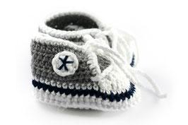 *heart stars sneakers*