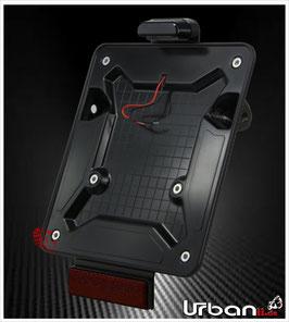 Motorrad Kennzeichenhalter Carbon glänzend mit Kennzeichenbeleuchtung, Blinkeraufnahme und Rückstrahler