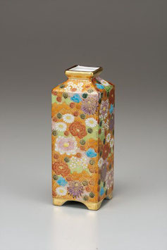 "☆Kutani vase ""Hanazume, gold floral"" (H. 21cm)"