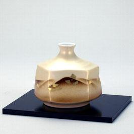 "☆Kutani vase ""Gold leaf on Mountains""  H. 10,5cm"