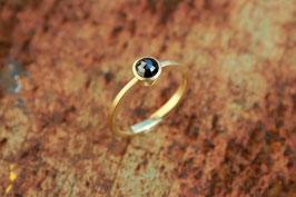 750er Goldring mit schwarzem Diamant