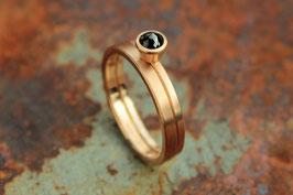 585er Rotgold Verlobungs- und Ehering Set mit schwarzem Diamant