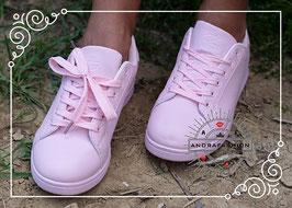 Sneaker in der Farbe rosé