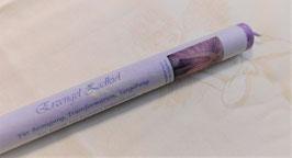 Violette Kerze - eingeweiht in die Energie von Erzengel Zadkiel