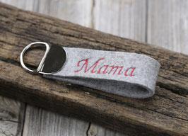 """Kleiner Schlüsselanhänger mit Wunschbestickung """"Mama"""""""