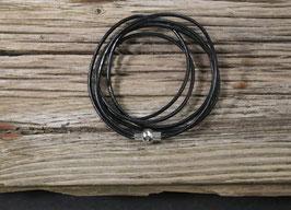 Schwarzes Leder Wickelarmband mit Magnetverschluss