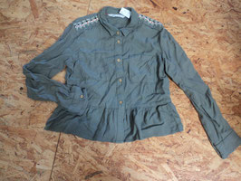 SS-178 Tolle Bluse in khaki -oben an den Schultern goldene Naht mit Ornamente von H&M Gr. 146