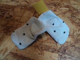 SK-239 New Born Socken weiß mit schwarze Punkte Gr. 11-14