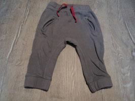 2866 Coole Jogger grau mit Pinken Schnürer von DOPODOPO Gr. 92