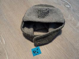 2013 Warme Mütze in grau YAAP! unten am Kinn mit Klett zu verschliessen von STERNTALER 86/92