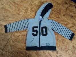 M-194 Kapuzen Sweatjacke grau schwarz '50' von C&A Gr. 86