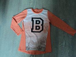 3225 LA Shirt in korallfarben vorne ein B mit Glitzer und 2 Schwäne von NAME IT  Gr. 116