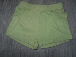 1232 Kurze Shorts mint grün mit Taschen Gr. 80