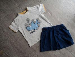 M-163 Zusammengestelltes Set Schlafi Shirt weiß mit Hai und dunkelblaue Shorts Gr. 80