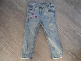 SS-45 Helle Jeans unten Fransen -Pinke Blumen - enger stellbar von TOM TAILOR Gr. 92