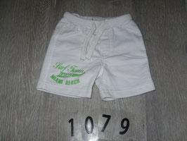 1079 weiße Shorts von FRIENDZ Gr. 68