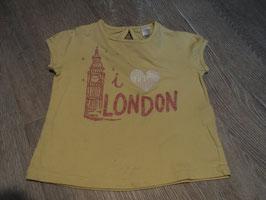 2825 Shirt pastell gelb i Love London mit Glitzer leichte Flecken vorhanden von ZARA Gr. 82