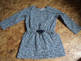V-18 Kleid in grau miot schwarzen und braunen Punkten mit Taschen von HEMA Gr. 92