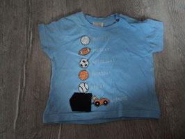 1431 Shirt hellblau mit Bälle und Auto  von Zara Gr. 68