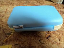 AL-210 Set Aufbewahrungsbox mit Bürste/Kamm -Nagelfeilen-Fieberthermometer- Zahnbürste und Schere-von AVENT- alles unbenutzt-es fehlen ein Paar Teile