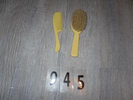 946 Kamm und Bürste gelb