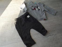 V-79 Cooles Set LA Shirt gestreift grau/beige COOL CAMP Appli mit passender Hose von STACCATO Gr. 62
