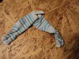 237 Socken in türkis/weiß/grau gestreift Gr. 74/80