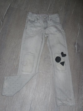 1535 Mega coole helle Jeans mit Flicken und Herzen von H&M Gr. 122