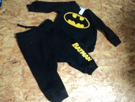 V-58 Set Batman Pulli mit Batman Abzeichen und passender Jogger von H&M Gr. 74