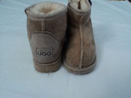 65 Originale UGG'S in beige mit Lammfell sehr gerne getragen worden Gr. 25-26