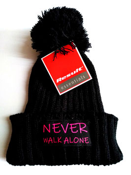 """Never walk alone "" Bommel Mütze"