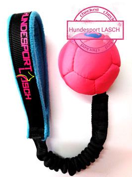 Trainingsball am Bungeeseil