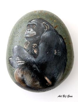 Rock-Art grote hand beschilderde steen , Chimpansee met baby