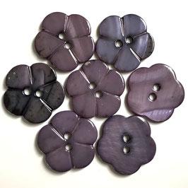 Perlmuttknopf Violette Blüte