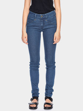 NEU: Skinny Bio-Jeans in Blau-Used von ATO Berlin