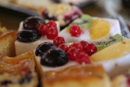 Desayuno o merienda pastel de frutas