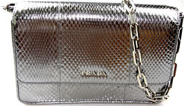 Prada Wallet on chain aus Python Leder in Silber