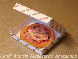 PIZZA FRUTOS DE MAR EN CAJA.