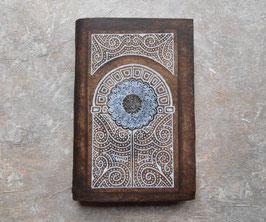 Carnet d'artiste - Carnet de voyage Grimoire - Porte blanche - Arabesques